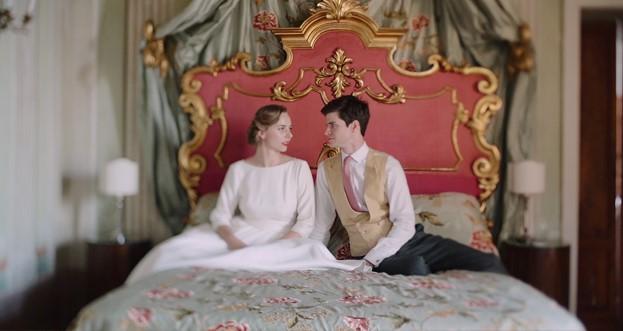 Raphaela e Charles nella villa di Borgo Stomennano nel giorno del loro matrimonio